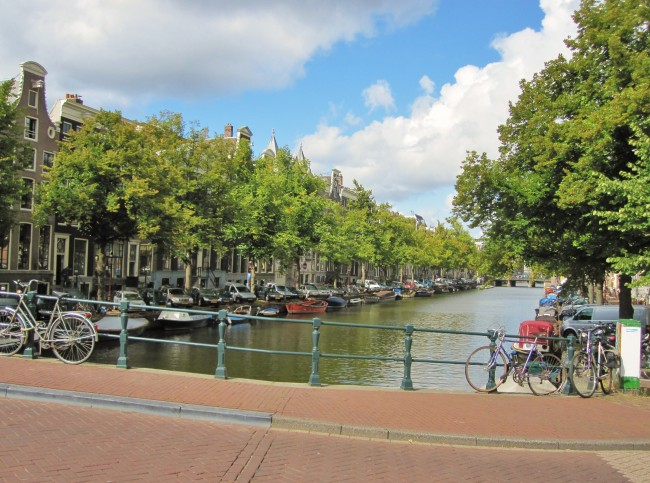 trip to holland essay With visit-languedoc, you can now compile your holiday packages, excursions,  business conventions, seminars or exhibitions at your own pace, in our.