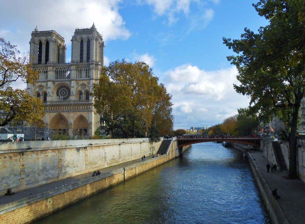 notre dame essay prompts Here's a list of paris essay topics, titles and different search term keyword ideas notre dame is a cathedral located in the center of paris.