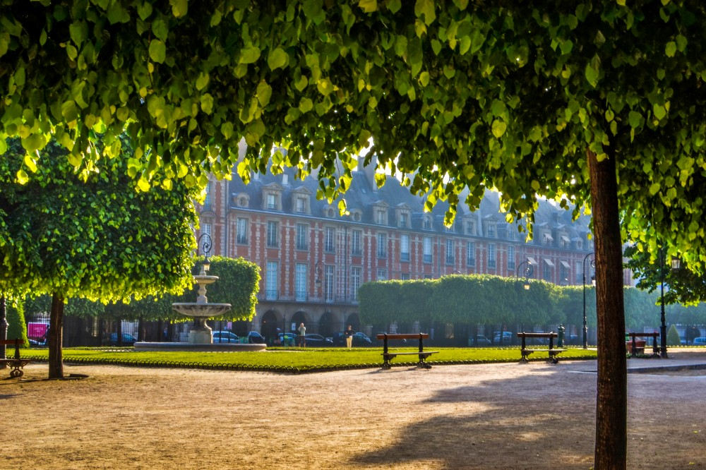 Photo Essay: Place des Vosges on a Summer Morning