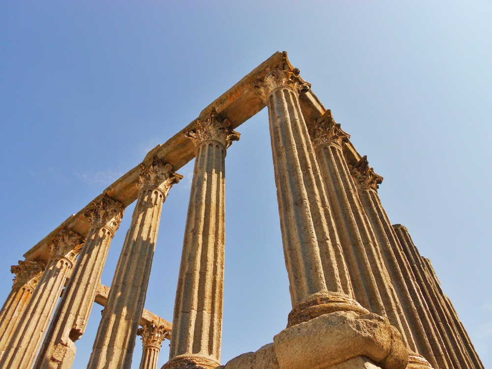 thesis statement on greek architecture Ancient greek architecture thesis statement the relationship between architecture and the individual involves a process of discovery through revelation.